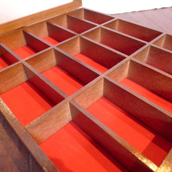アンティーク コレクションボックス