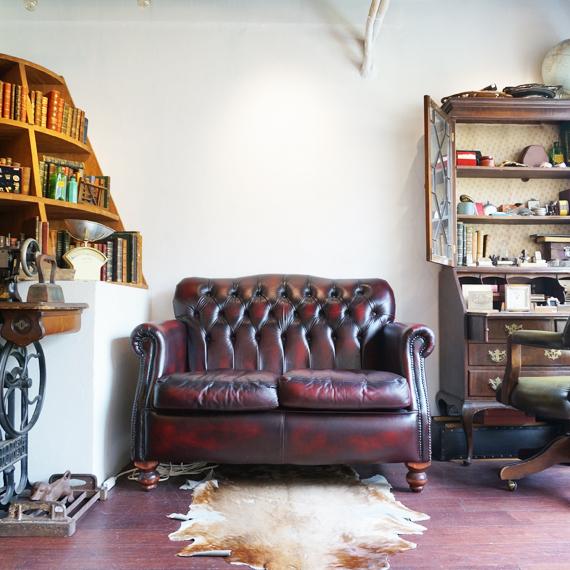 ヨーロッパのアンティークショップを再現したBスタジオ